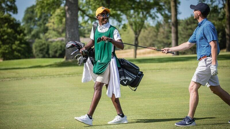 How Much Do Caddies Make At Country Clubs?